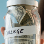 8 Ways for College Students to Stretch Your Money While in School